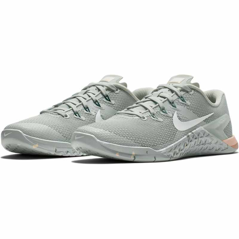 size 40 00b8f 31801 Nike Metcon 4 Silver   Guava   Green 924593-007 (Women s). Loading zoom