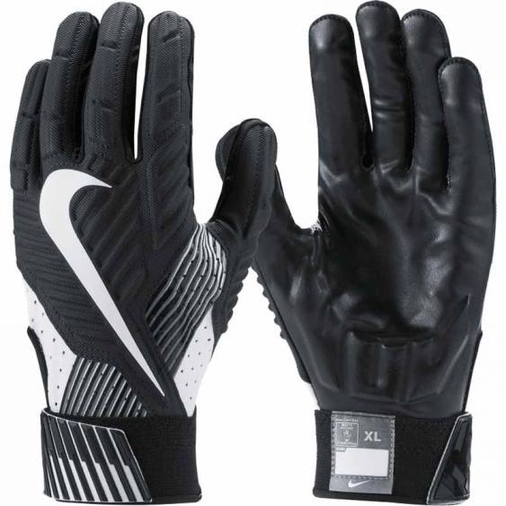 Nike D Tack Black / White GF0385-010 (Adult)